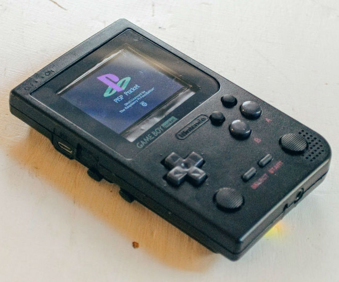 FEATURED: PiSP Pocket, a Raspberry Pi inside a Gameboy Pocket by theluthier