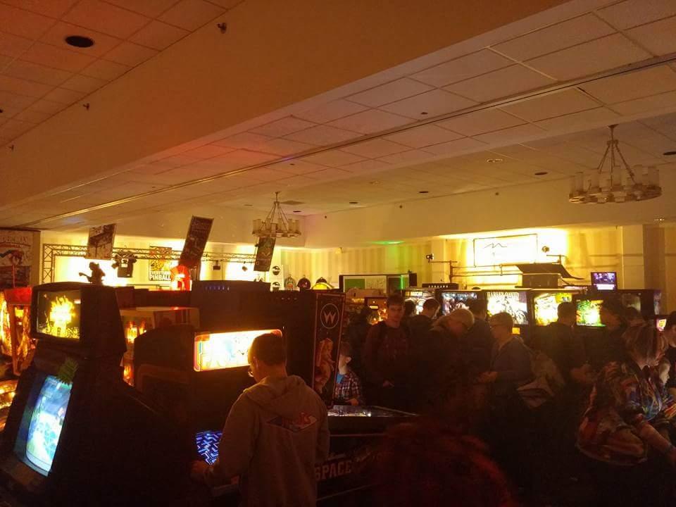 Pinballs & Arcade Machines.