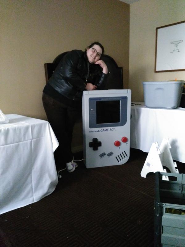 Dr Maui Crustpnk, Gameboyolgist.
